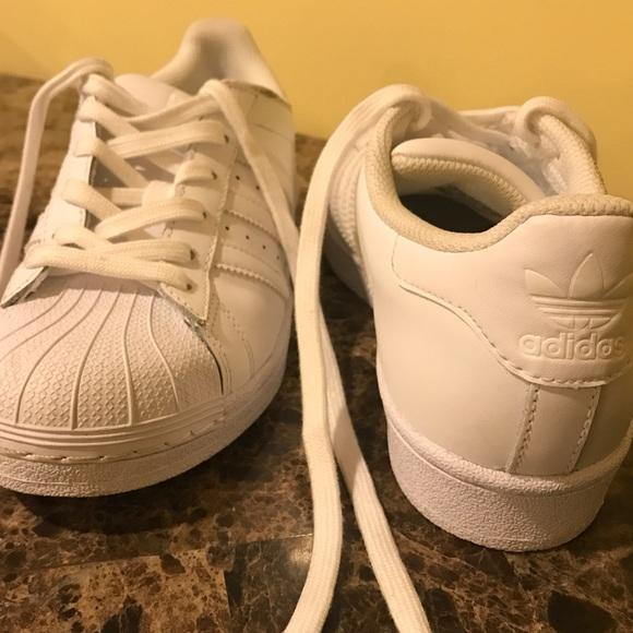 le adidas superstar della donna bianca poshmark originali